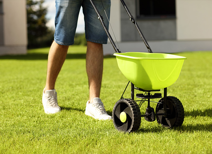 Fertilizer Spreader Buyer's Guide